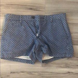 Gap shorts really clue blue triangular print